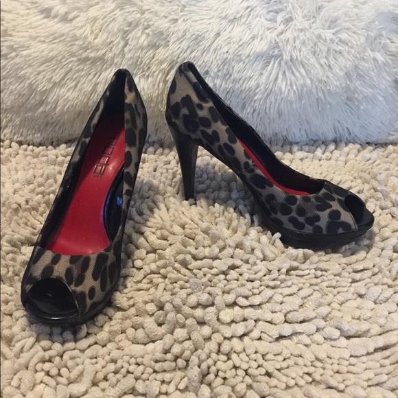 Moda Spana Cheetah Print Peep Toe Heels Sz 7